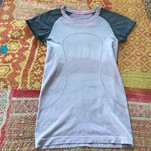LULULEMON SIZE 4 t shirt running yoga